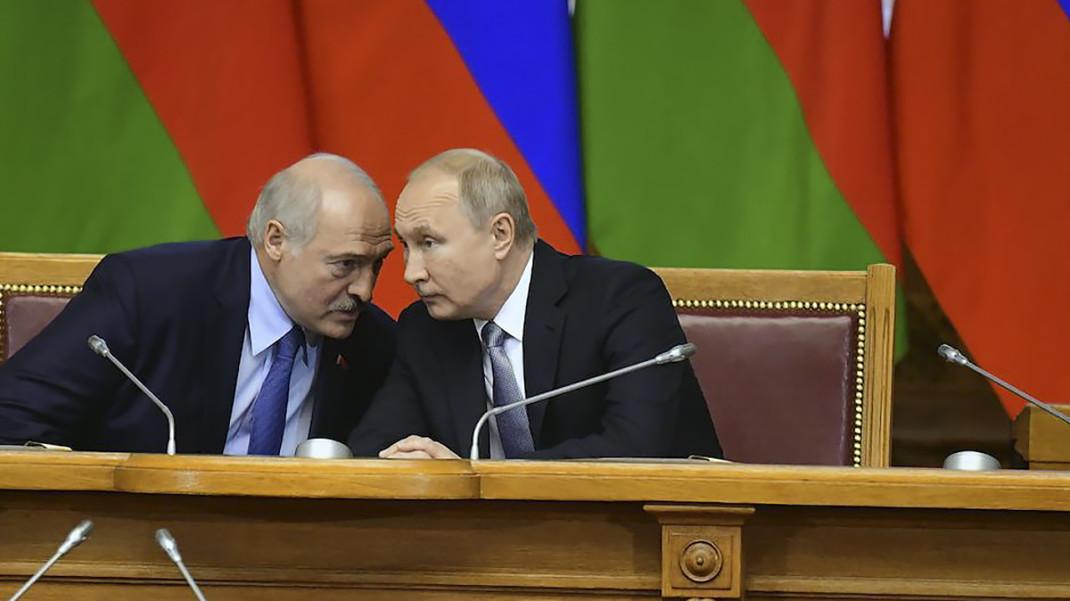 Лукашенко прелетит к Путину за деньгами