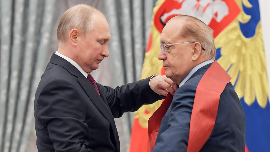 Руководители почти всех лучших российских вузов оказались единороссами,
