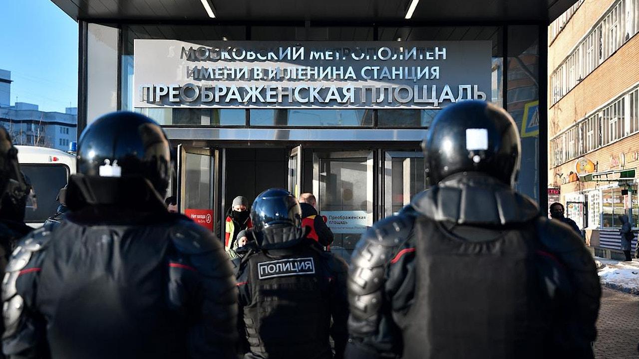Из-за акции в поддержку Навального в московском метро начались массовые увольнения — ушли десятки сотрудников